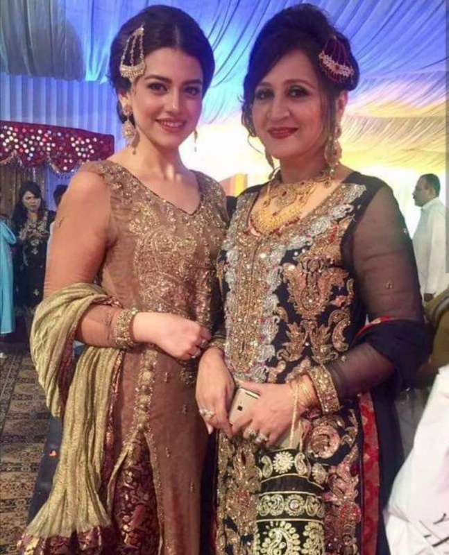 Nine Top Pakistani Mother-daughter Celebrities